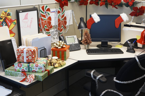 Do You Decorate Your Cubicle or Office for the Holidays? | The