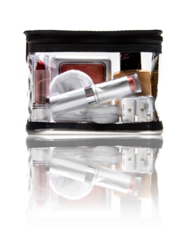 WORK out: 5 Items That Should Be in your Makeup Bag for the Office