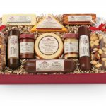Charitable Giving with Hickory Farms: Start New Holiday Traditions #HickoryTradition