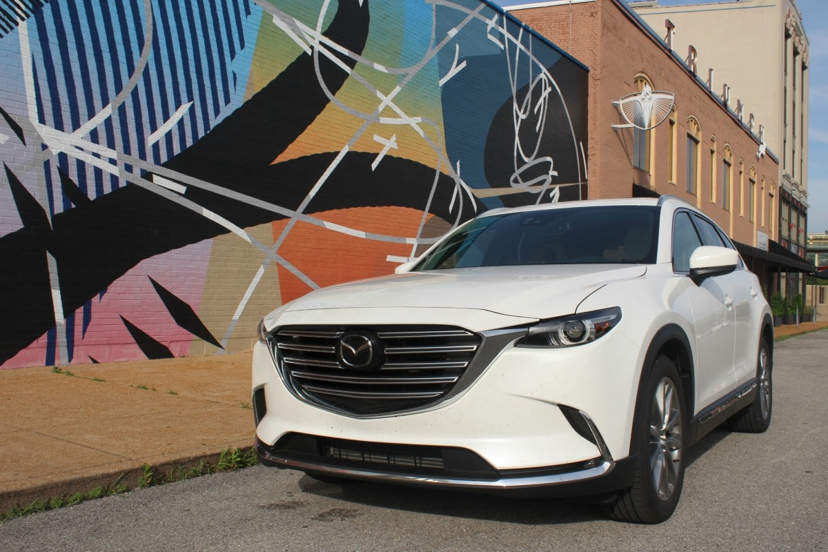 visiting top st louis hotspots with the 2017 mazda cx 9 grand touring. Black Bedroom Furniture Sets. Home Design Ideas