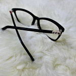 7 Interesting Reasons To Wear Glasses