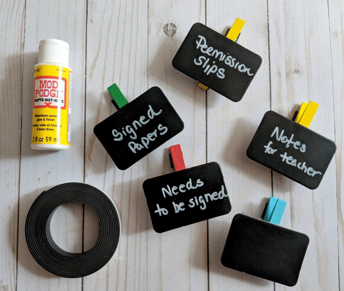 Back to School DIY: Chalkboard Magnet Clips for Important Papers