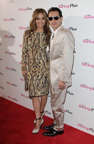 (PICS) Jennifer Lopez Is A Cubicle Chick