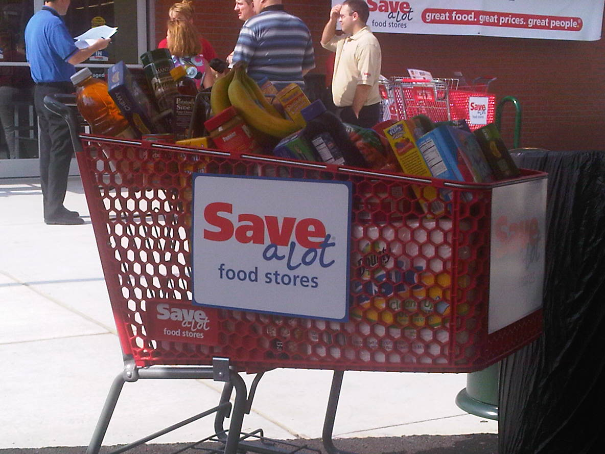 Save-A-Lot Food Store Opening & Back-to-School Lunch Savings Giveaway