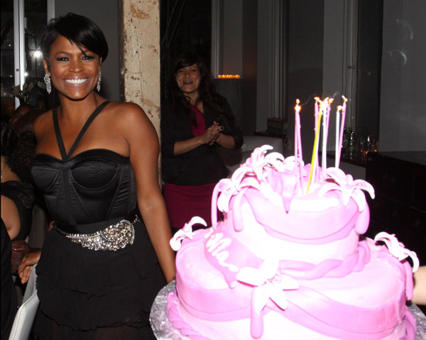 Nia Long is a Cubicle Chick: Celebrates 40th Birthday with Style (Pics)