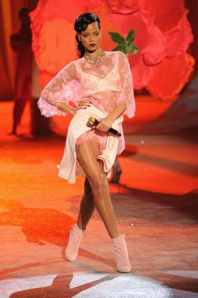 2012 Victoria's Secret Fashion Show - Performance
