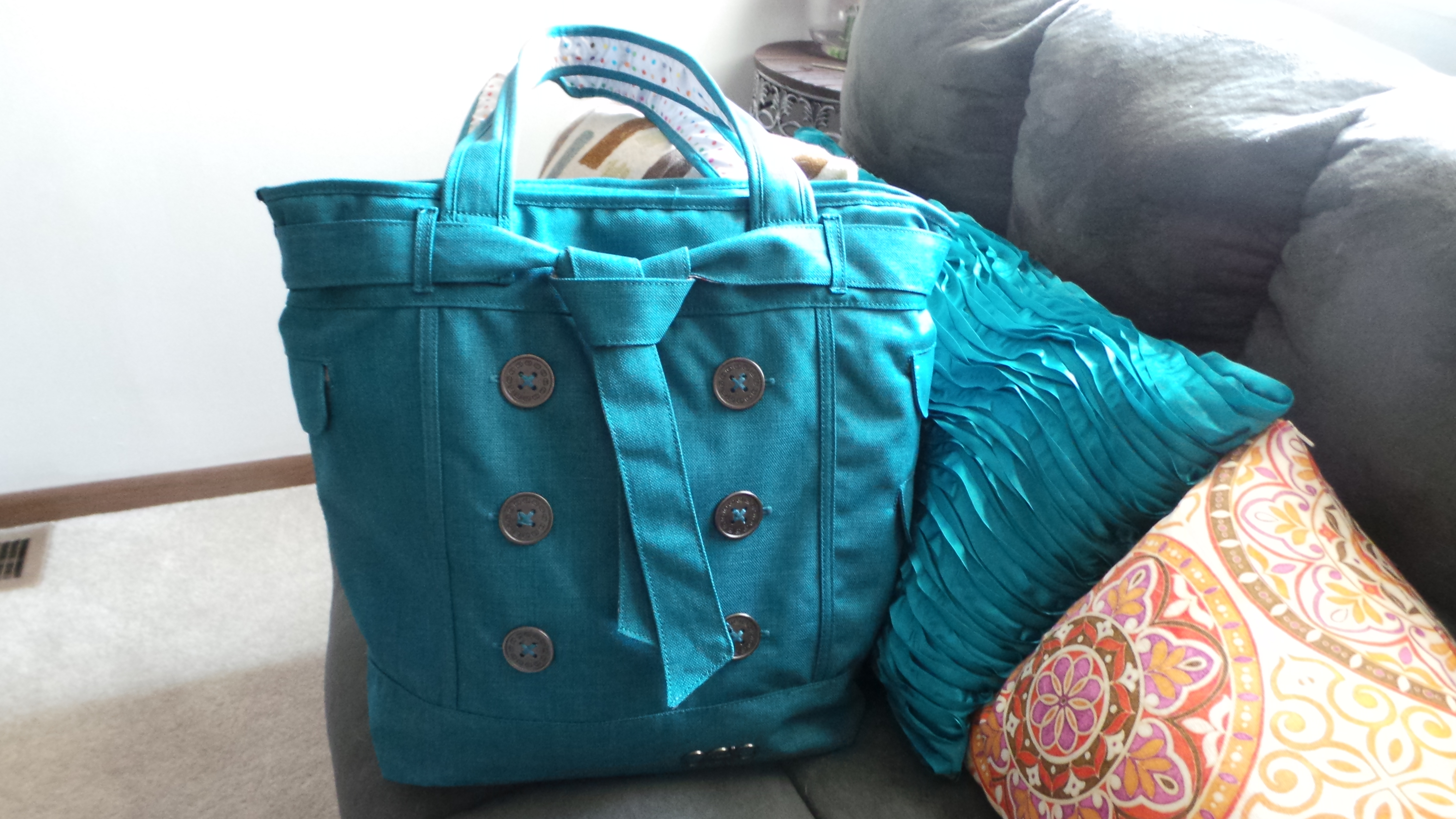 Review: Digital Styling with OGIO Hampton's Women's Tote Bag