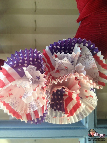Memorial Day Cupcake Cup Wreath Craft.jpg
