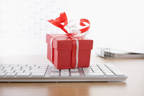 10 Smart Things You Can Do with Your Christmas Bonus