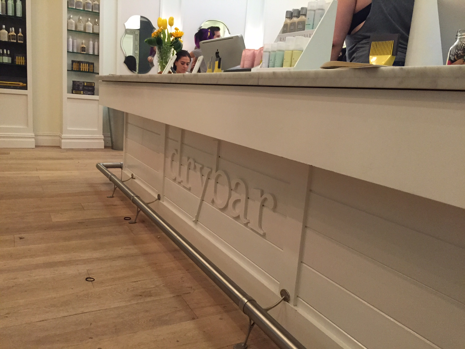 A Working Girl's Guide to the DryBar: My Review