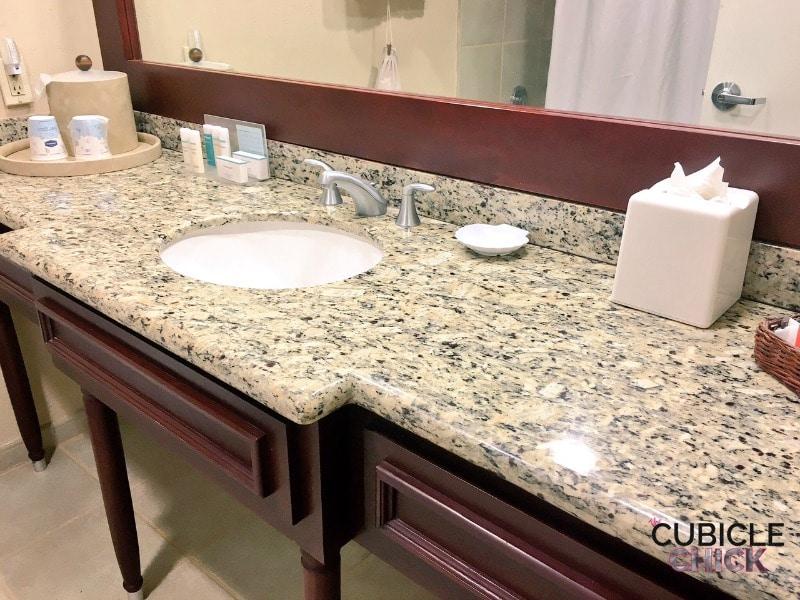 Hampton by Hilton San Juan Bathroom