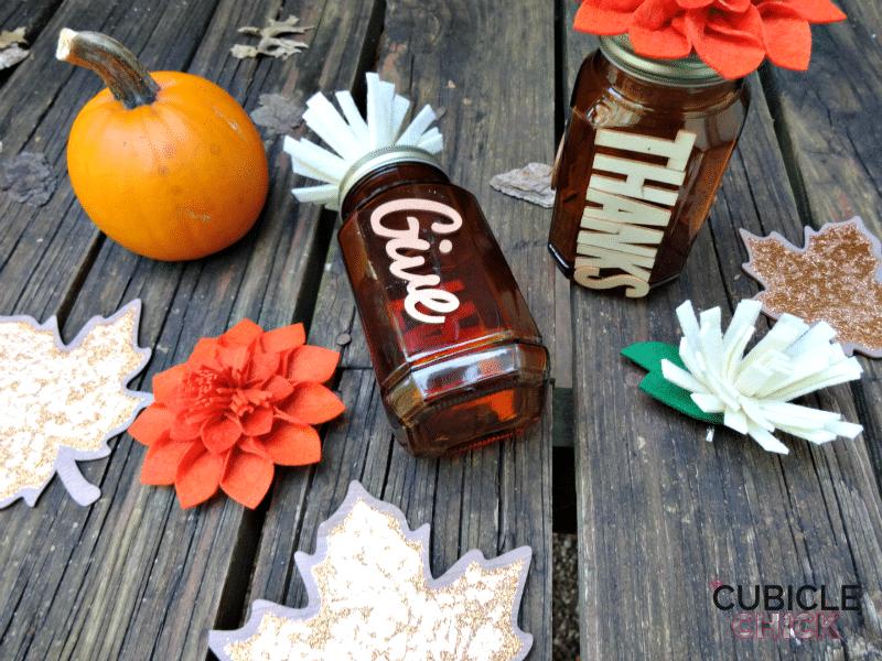 diy-thankful-mason-jars-for-thanksgiving