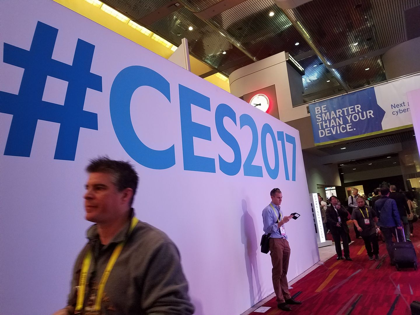 CES 2017 Day 1 Coverage: Sony, Canon, and Polaroid #CES2017