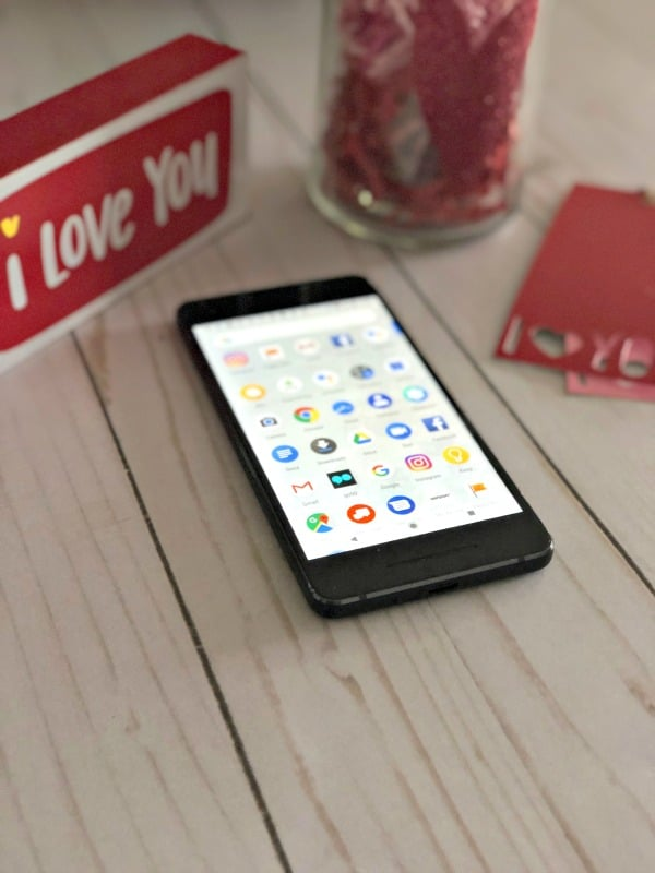 Whether you have a valentine or you are solo dolo, Google Assistant can help answer your most pressing questions about love. Here's how.