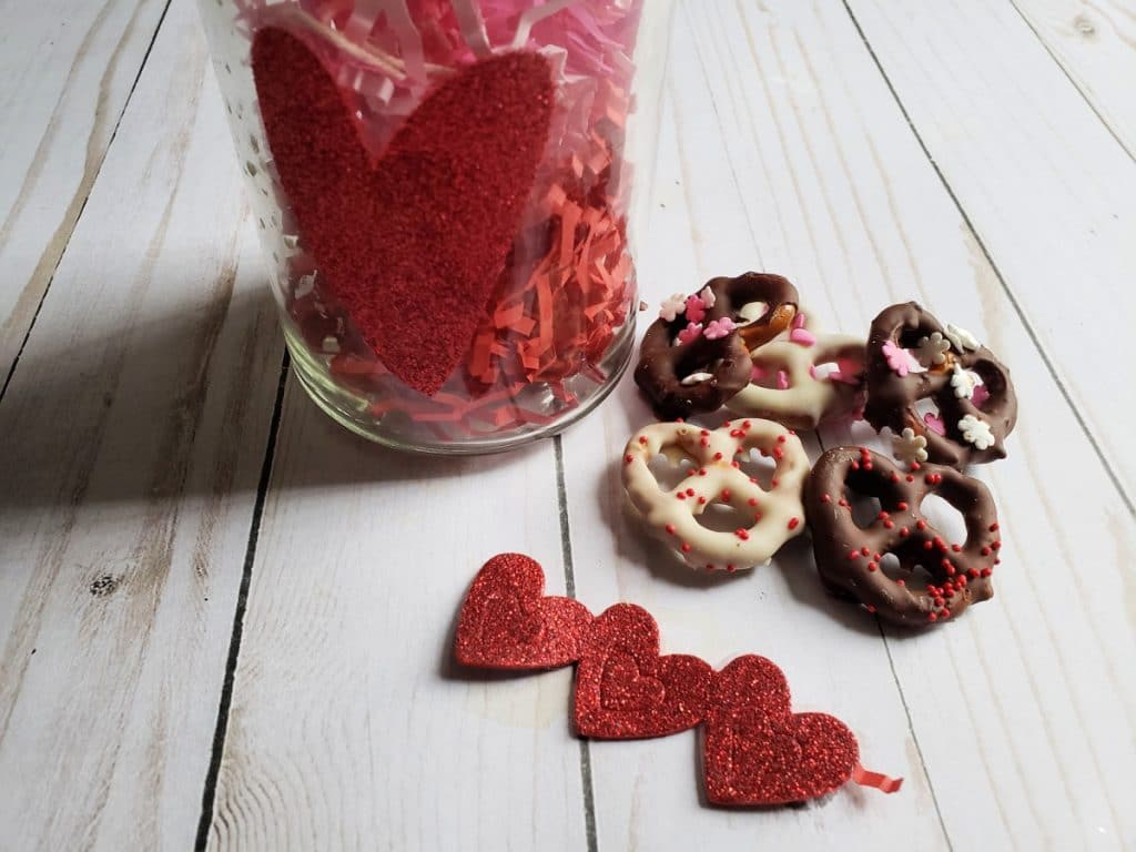 Do you want to make a sweet statement for Cupid? Try these easy to make Chocolate Dipped Pretzels for Valentine's Day for family fun.