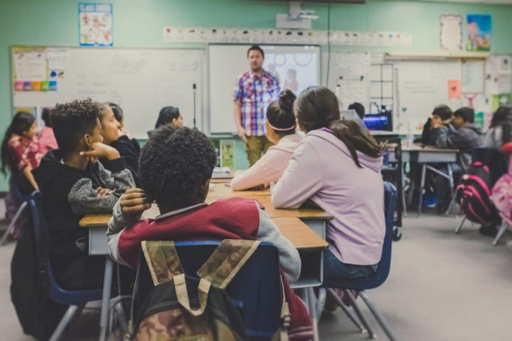 According to a recent study, 25% of teens experience back to school anxiety. Dr. Hafeez is sharing ways parents can help make it an easier transition.