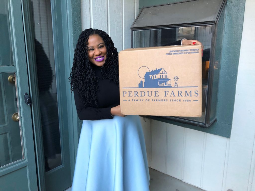 Learn how convenient and time-saving the Perdue Farms Organic Bundle box is, and how to make two crowd-pleasing chicken recipes.