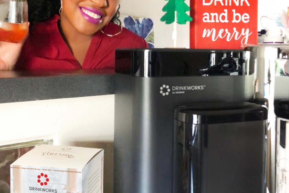 This year, make it a festive and memorable Holiday Homemade Happy Hour wih fabulous cocktails with the Drinkworks Home Bar by Keurig.