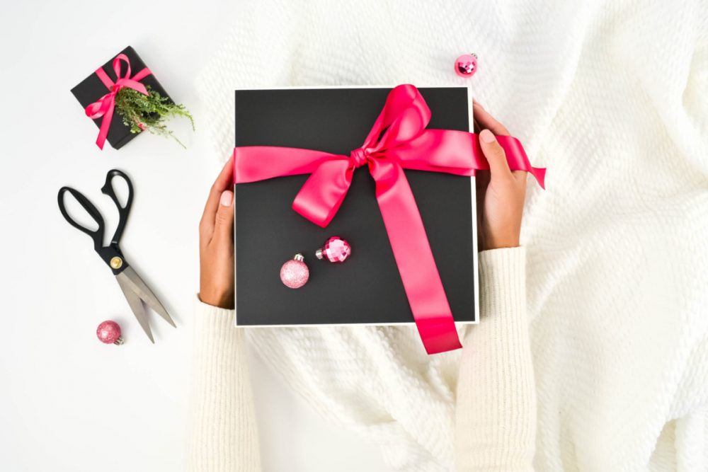 Hot off the press, my selections for The Cubicle Chick Holiday Gift Guide for Working Moms on the Go is finally here. Click to get my gift ideas.