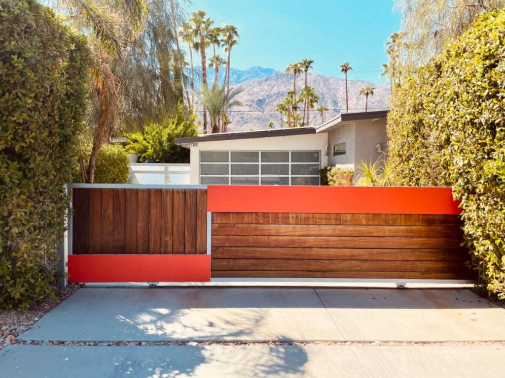 During a quick 24 jaunt, I managed to stalk seven iconic celebrity homes Palm Springs style. Take a look at the homes I found.